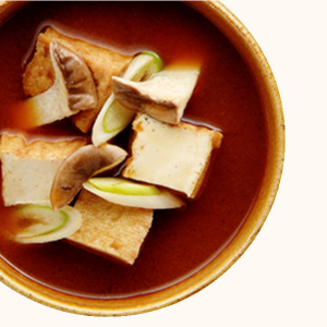 きのこの味噌汁 - 野菜の味噌汁 | 具材を生かす美味しいレシピ | フンドーキン醤油株式会社